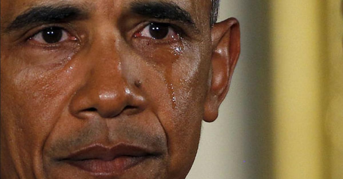Obama, llorando en una rueda de prensa