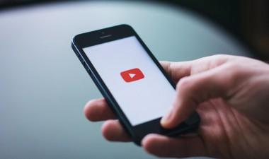 El consumo de vídeo móvil aumenta 200 horas al año desde 2012
