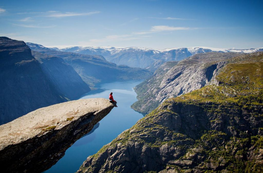 tourist-sitting-trolltunga-norway-ngsversion-1485378003501-adapt-1190-1